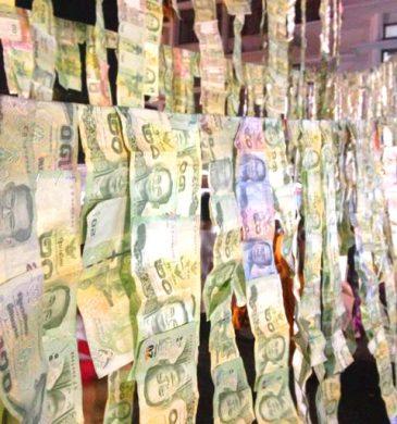 hanging money